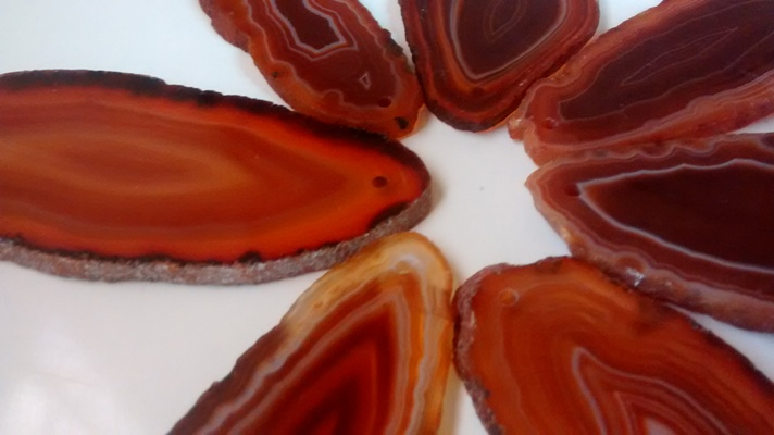 Stones from Uruguay - RED AGATE SLICES  WITH DRILL HOLE