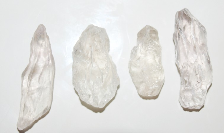 Stones from Uruguay - Crystal 100% Clean(10-20gr)