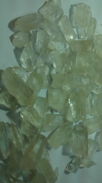 Stones from Uruguay - Rough Hiddenite for Jewelries
