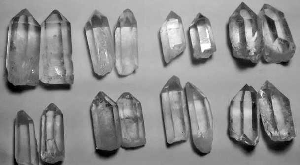 Stones from Uruguay -  Crystal Point Pairs for Jewelries