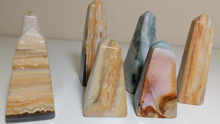 Stones from Uruguay - Cream Jasper Obelisk for Decoration