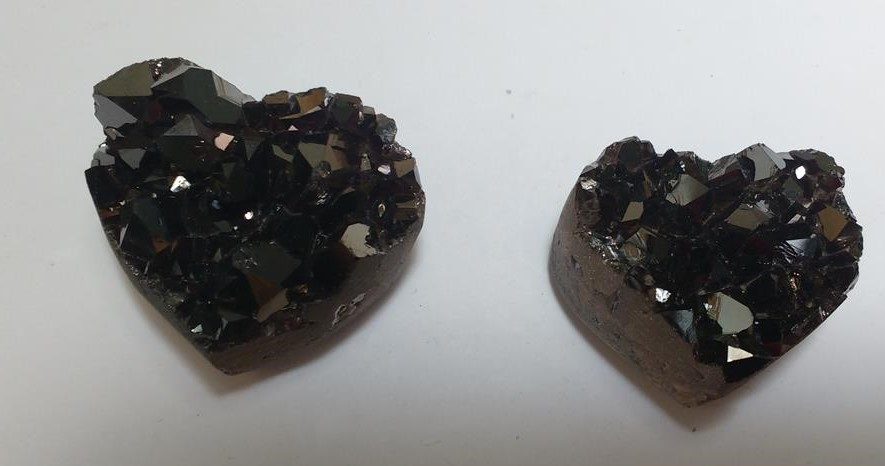 Stones from Uruguay - Black Titanium Flame Aura  Amethyst Cluster Heart