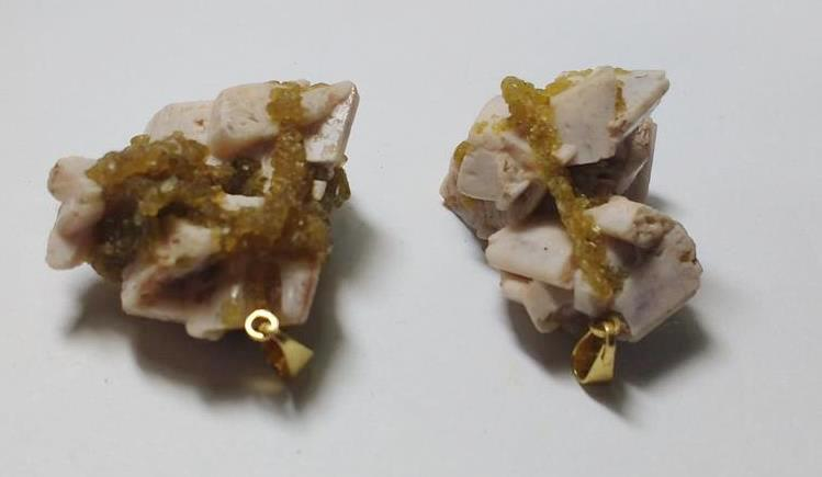 Stones from Uruguay - Muscovite Mica Pendant witrh Gold Plated Bail