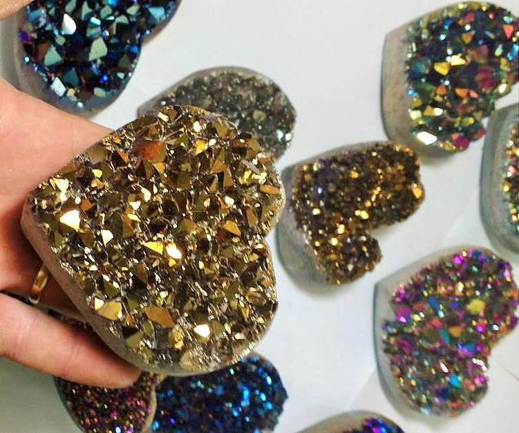 Stones from Uruguay - Old Gol Aura Quartz Amethyst Cluster Heart Titanium for Home Decoration