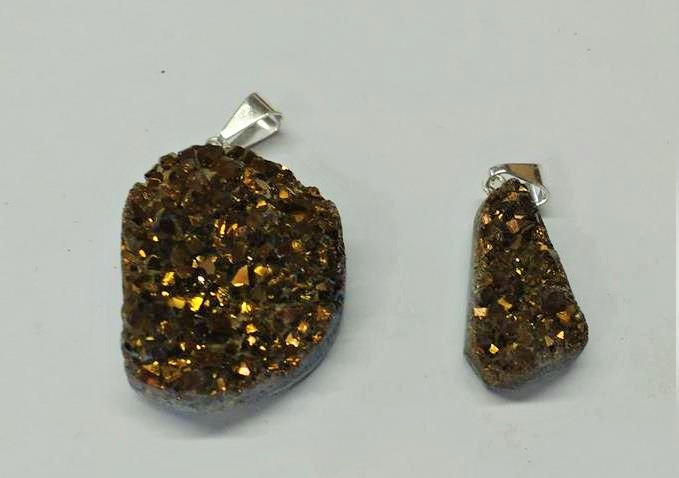 Stones from Uruguay - Royal Aura Quartz Druzy Free Form Pendant (old gold)