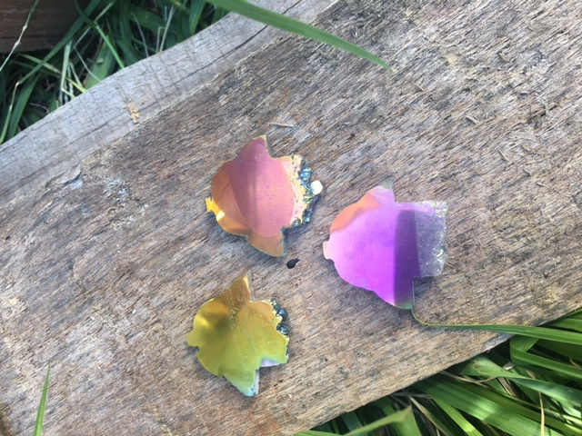 Stones from Uruguay - Pink Rainbow Aura  Amethyst Druzy Hamsa Slices,30mm