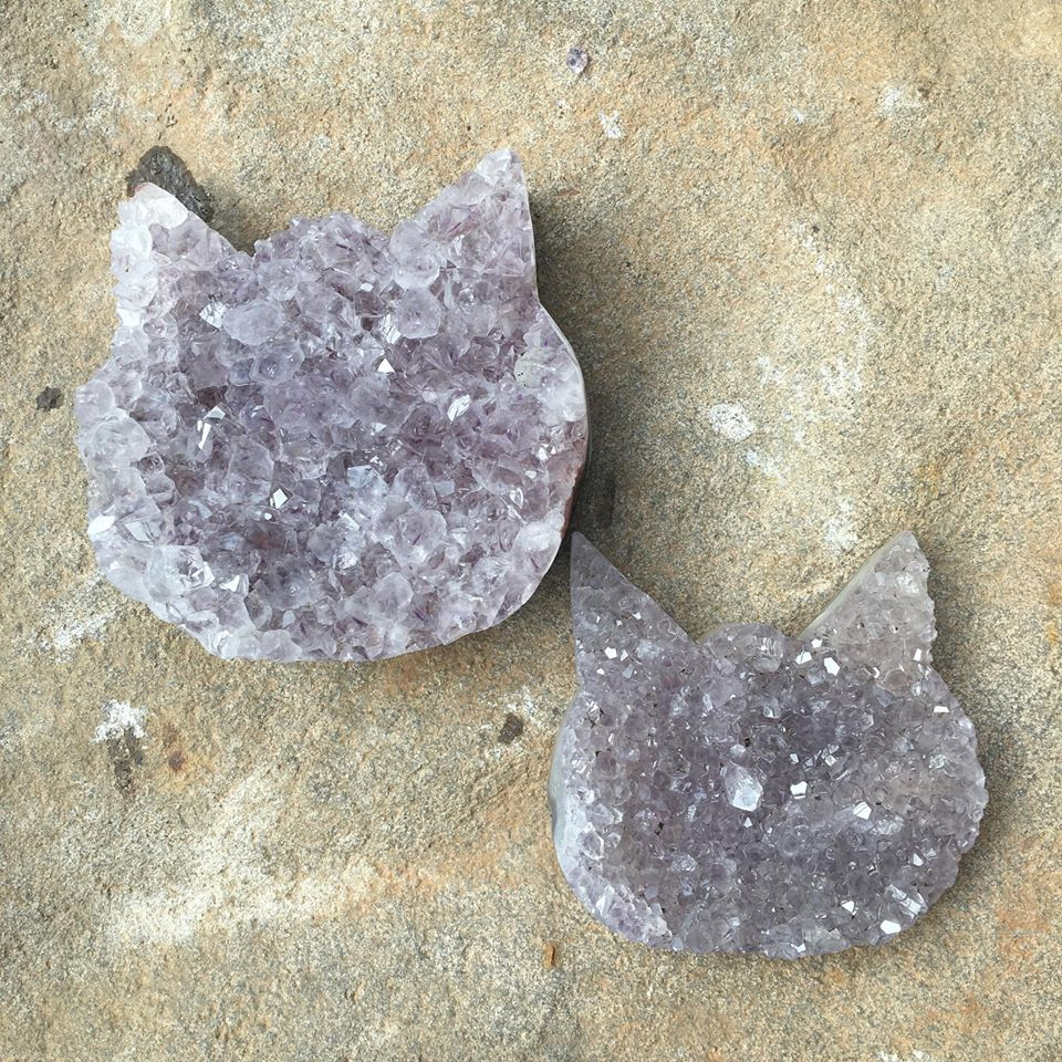 Stones from Uruguay - Rough Amethyst Cluster Cat Heat for Home Decor and Metaphysical