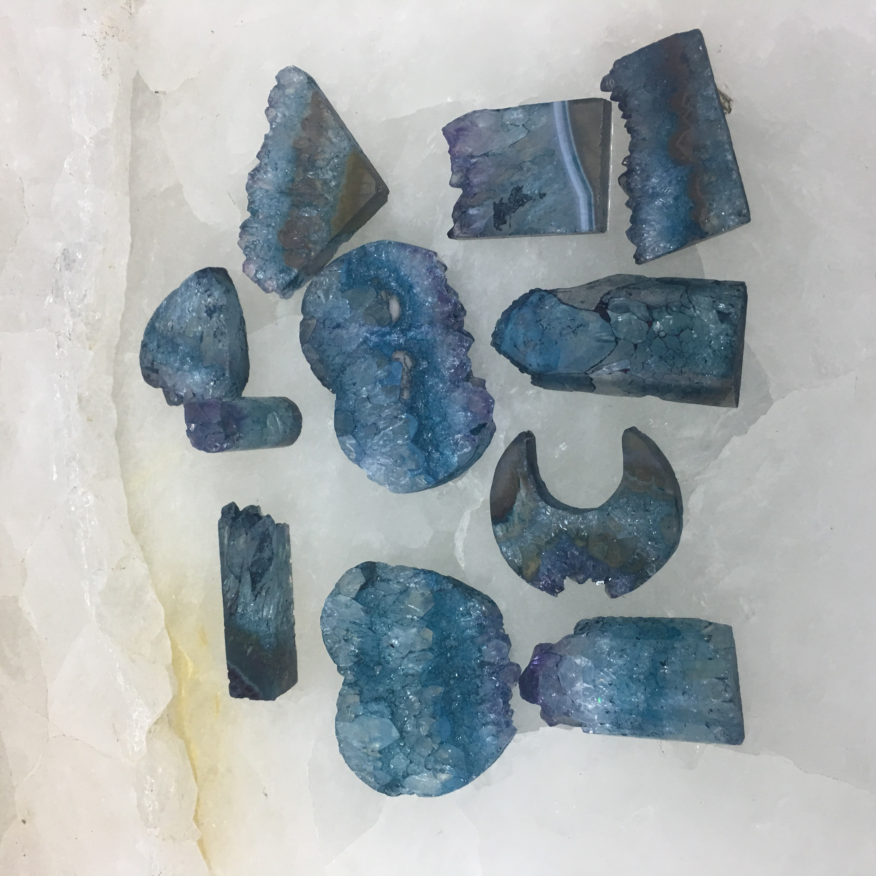 Stones from Uruguay - Teal Dyed Amethyst Druzy Slices for Jewelries