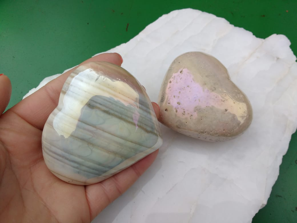 Stones from Uruguay - Titanium Coated Cream Jasper Hearts