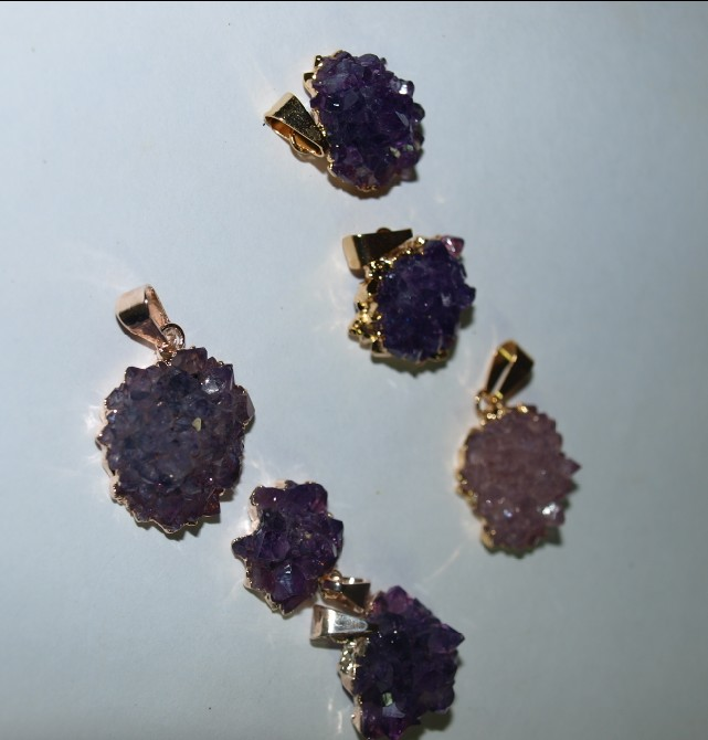 Stones from Uruguay - Amethyst Rose Pendant with Plating