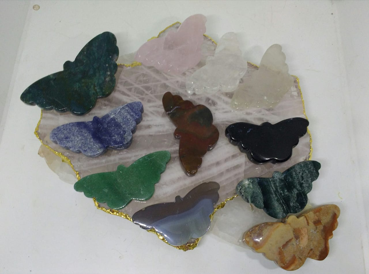 Stones from Uruguay - Quartz Gemstone Butterfly III Shapes for Metaphysical, Home, Decoration and Concentration( flat top and bottom)