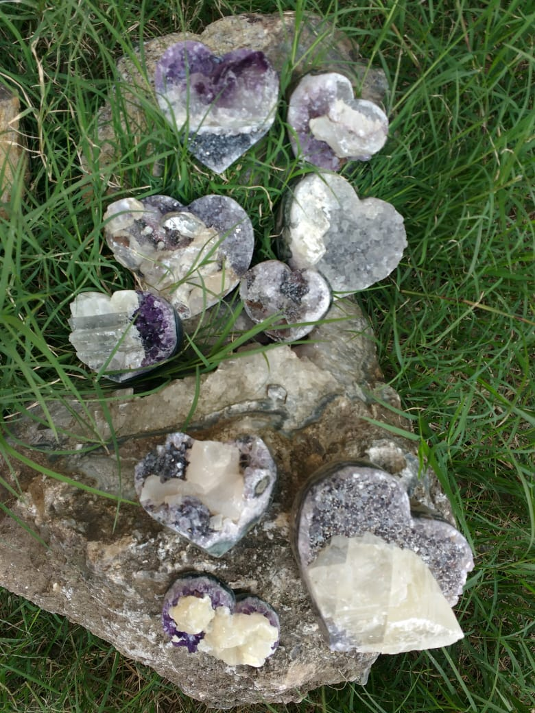 Stones from Uruguay - Amethyst Cluster Hearts with Calcite