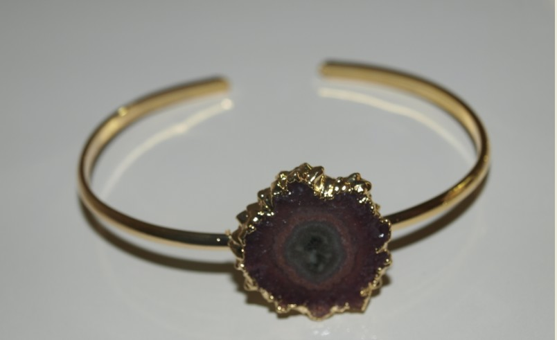 Stones from Uruguay - Bracelet with Amethyst Stalactite Slices