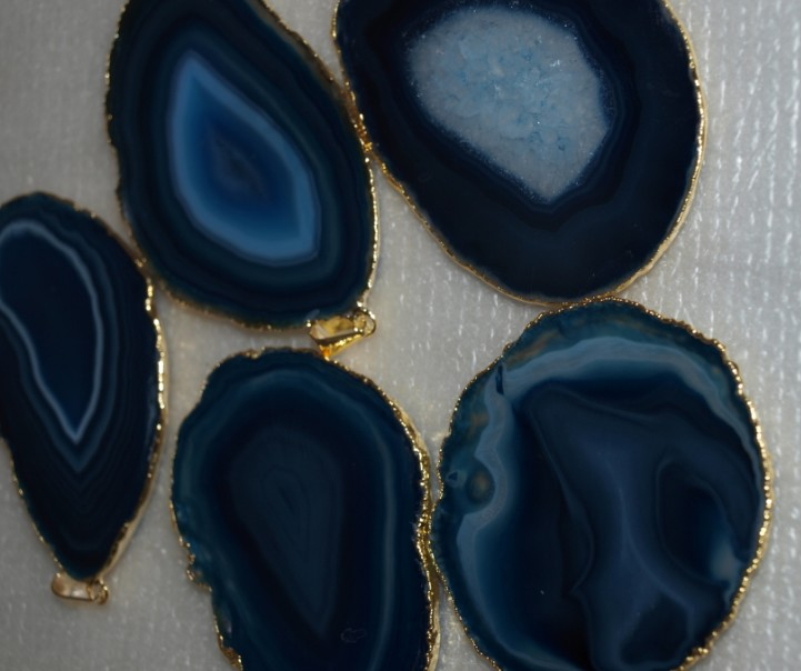 Stones from Uruguay - Dark Blue Agate Slices Pendants