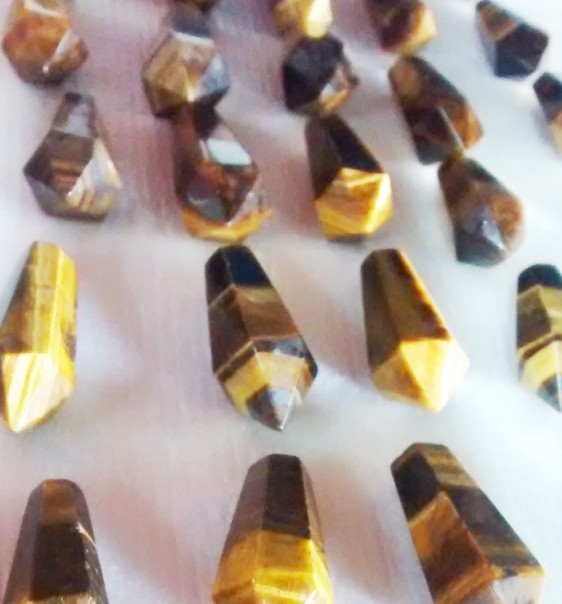 Stones from Uruguay - Tiger Eye  Pendulum with 6 facets