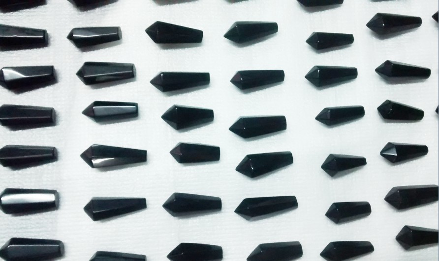 Stones from Uruguay - Teardrop Polished Point of Black Obsidian