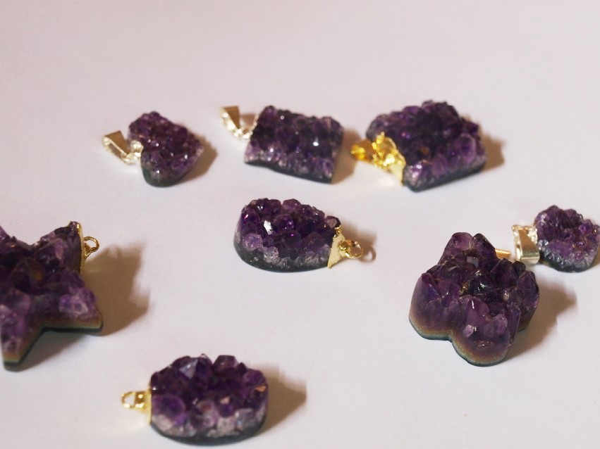 Stones from Uruguay - Amethyst Druzy Pendants with Plating (dark purple)