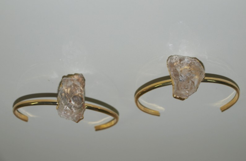 Stones from Uruguay - Rough Crystal Bracelet with Gold Plating(4-10gr)