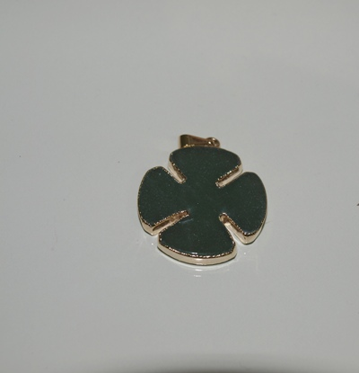Stones from Uruguay - Polished Green Aventurine Clover Pendant, Gold Plated