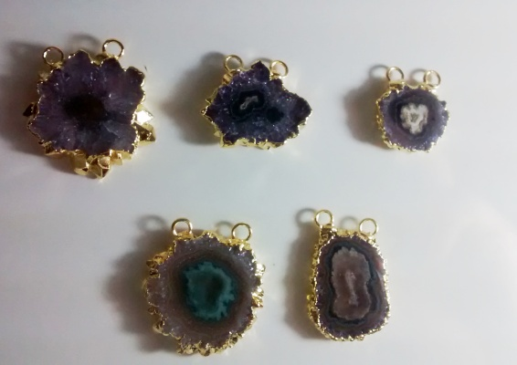 Stones from Uruguay - Amethyst Stalactite Connector, Gold Electroplated, Size 10-25mm