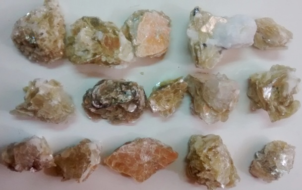 Stones from Uruguay - Golden Mica for Jewelries
