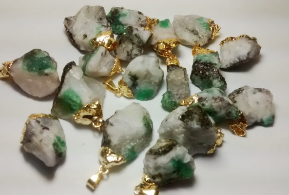 Stones from Uruguay - Rough Emerald Pendant  in Matrix, Gold Plated (Quality A)