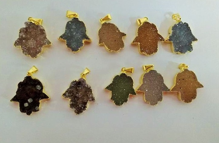 Stones from Uruguay - Druzy Hamsa Pendant, Gold Plated