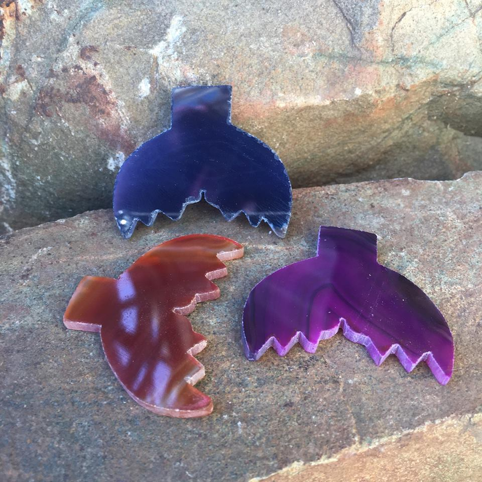 Stones from Uruguay - Agate Whale Tail for Plated Jewelry Making
