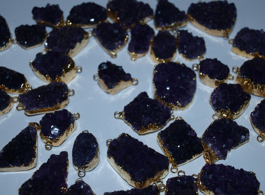 Stones from Uruguay - Amethyst Druzy Connector with Gold Plating