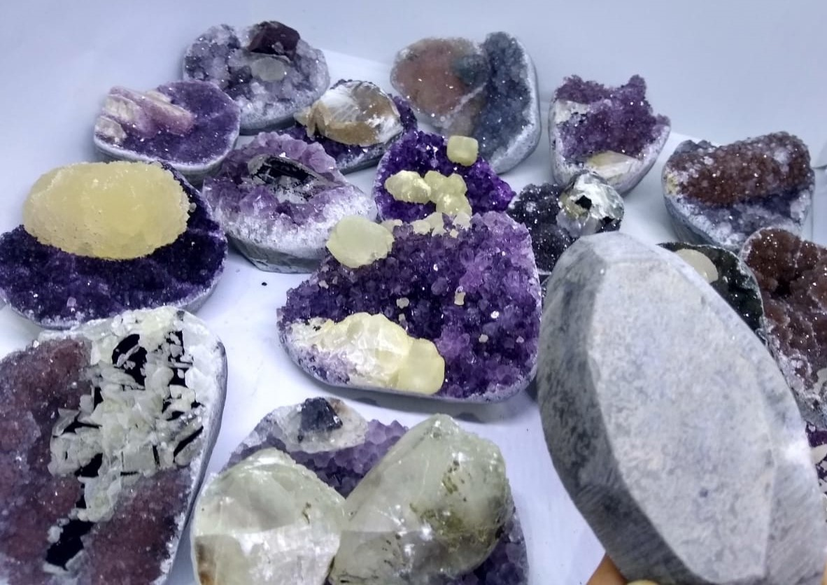 Stones from Uruguay - MIXED COLORS AMETHYST CLUSTER WITH CALCITE