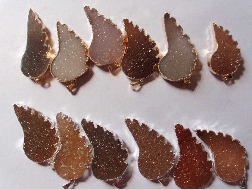 Stones from Uruguay -  Druzy Wing Pendant with 40mm