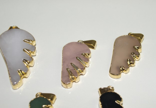 Stones from Uruguay - Wing Pendant with Gold Plating