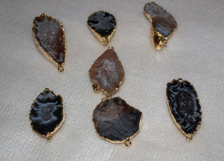 Stones from Uruguay - Agate Geode Druzy Connector