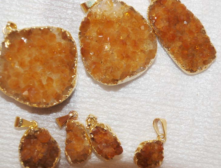 Stones from Uruguay - Citrine Druzy Free Form Pendant with Gold Plated (dark Yellow)