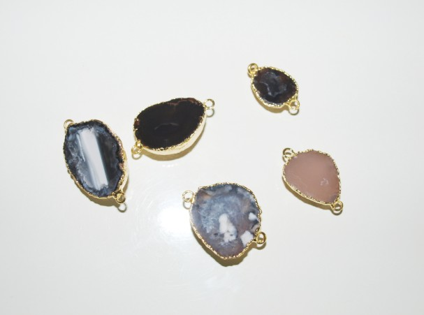Stones from Uruguay - Half Round Mini Agate Connector with Gold Plated